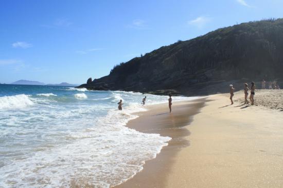 Caravelas Beach: Ondas fortes