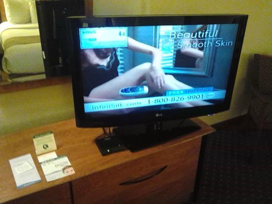 Baymont Inn & Suites Hinesville Fort Stewart Area: Epilation machine ad :))