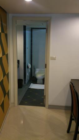 I Pavilion Phuket Hotel: Bathroom/Dressing area
