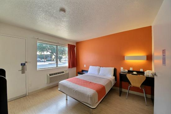 Guest Room Picture Of Motel 6 San Marcos Tx North San Marcos