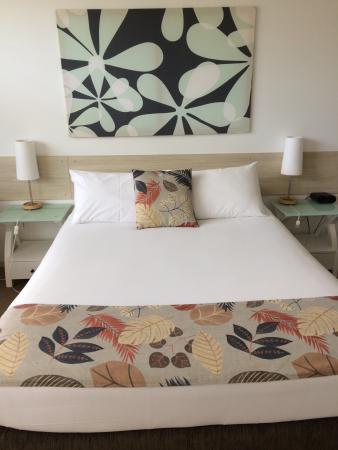 The Coast Motel: Modern Room #14