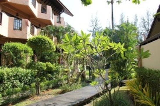 Phuket Island View : выход из бунгало