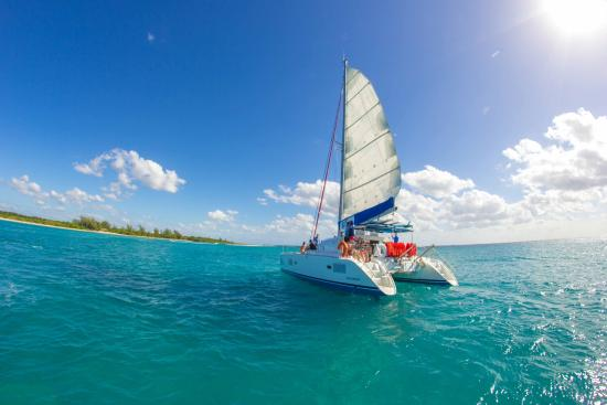 Cancun Adventures - Luxury Sailing & Snorkeling