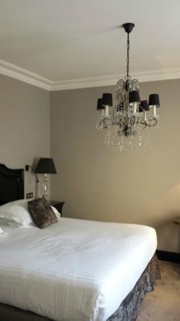Hotel la Villa Glamour: Lit géant