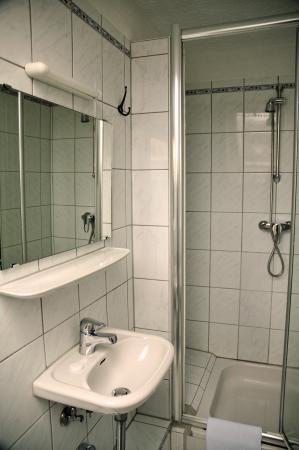 Hotel-Cafe Löhr: Bathroom