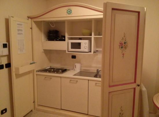 Cucina a scomparsa - Foto di Relais Du Lac, Desenzano Del Garda ...