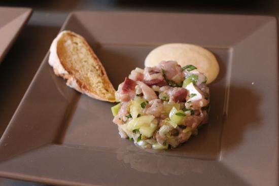 Carcassonne Kitchen: Raw mackerel with capers and cucumbers