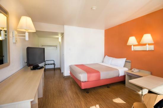 Motel 6 Pendleton: Guest Room