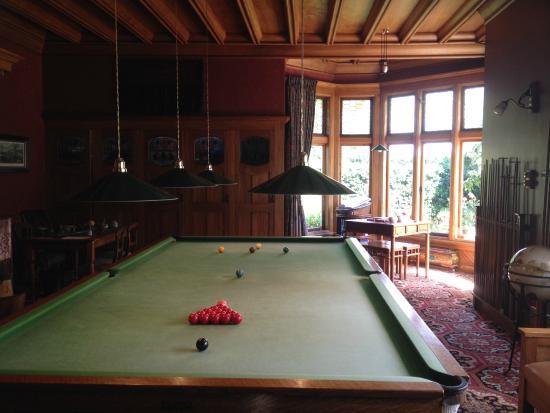 Billard room picture of pen y bryn lodge oamaru for Pen y bryn living room