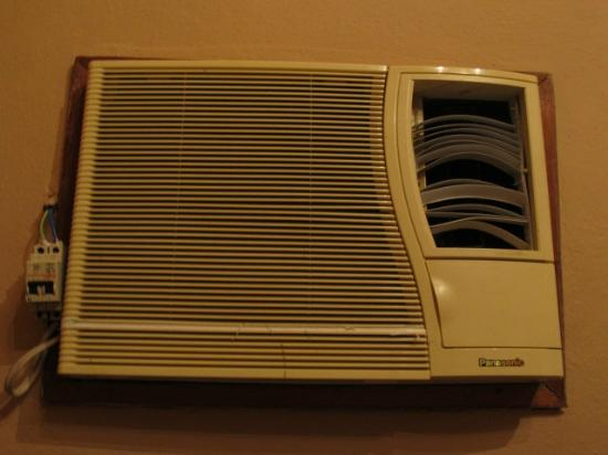 Casa Emilio: Air conditioning - faulty