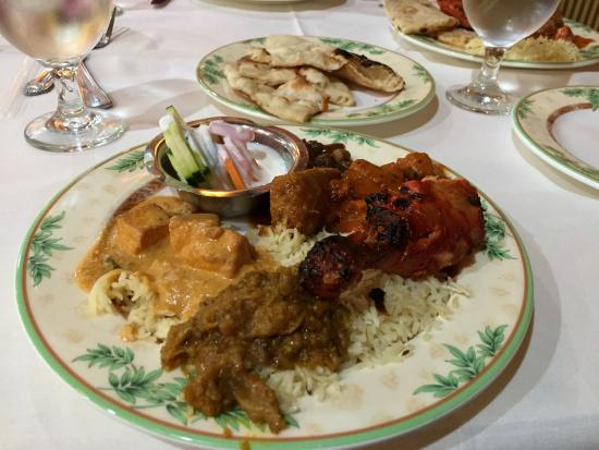 Aroma Indian Restaurant: many choices
