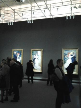 Paris, Frankrike: Visitantes e quadros