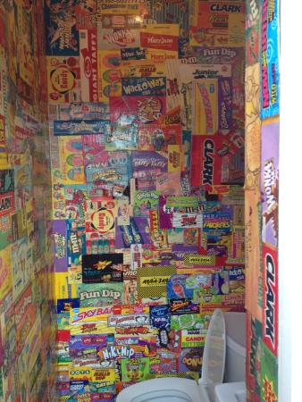 Candy Kitchen: Sweet Bathroom