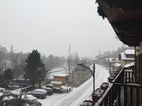 Hotel Daniela : Vista lato strada dal balcone del secondo piano