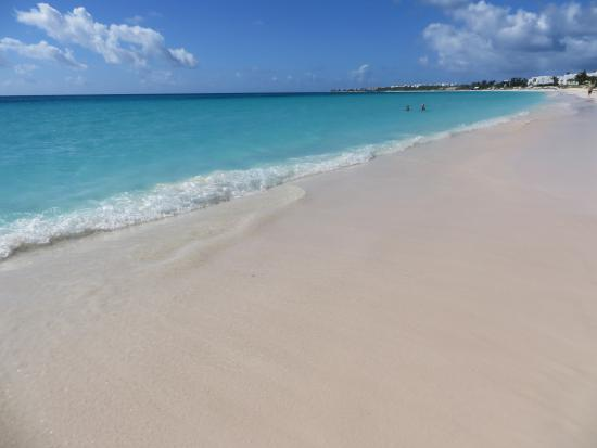 Zatoka Simpson, Sint Maarten: Beach at Rendez-Vous Bay