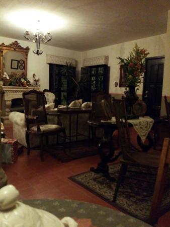 Hacienda La Magdalena Boutique Hotel: Salón junto al restaurante