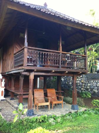 Manah Liang Bungalow: bungalow look like authentic chalet