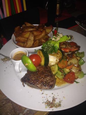 Brasserie Traube: Grilled steak and prawns