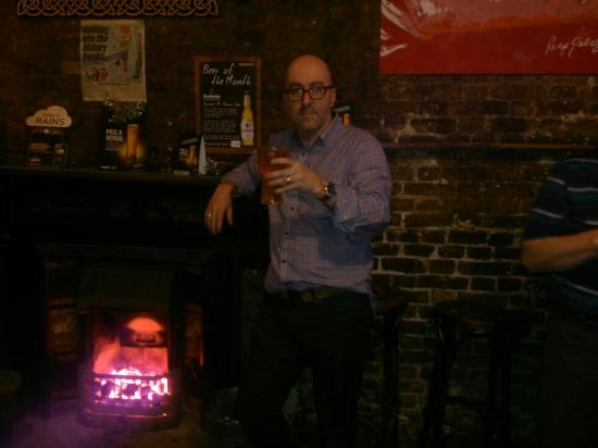 Charlie's Bar : Fire in the pub