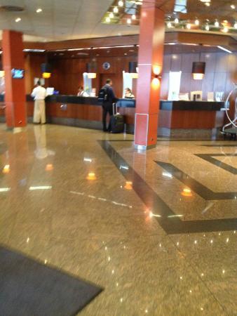 Sheraton Frankfurt Congress Hotel : Recepscion