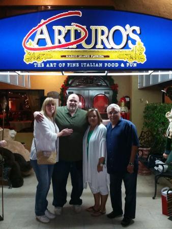 Arturo's Italian Restaurant: Celebrating our anniversary and friends