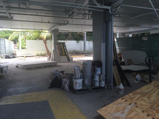Residence Inn by Marriott Miami Coconut Grove: Under renovation - late December 2014 - not on website