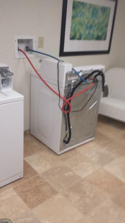 Homewood Suites by Hilton Montgomery: Washer - broken for over 3 months