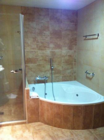 AC Hotel Recoletos: Vasca idromassaggio