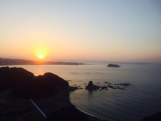 Kishu Minabe Royal Hotel: 白浜を望む朝日