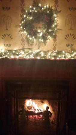 Ye Olde Tavern Fireplace (xmas decorations)