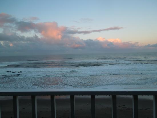 Λίνκολν Σίτι, Όρεγκον: View from the deck in the morning