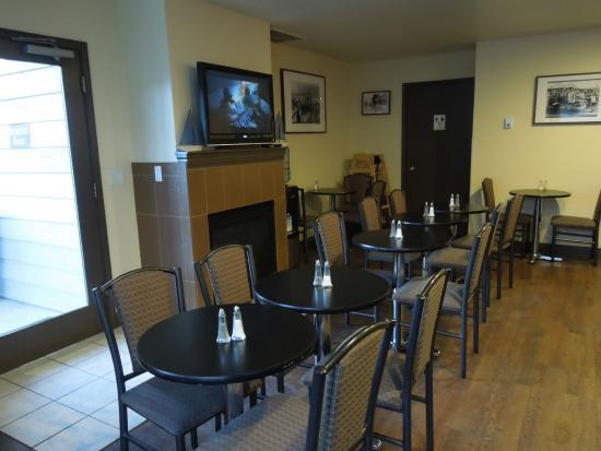 Λίνκολν Σίτι, Όρεγκον: Dining room, get there early