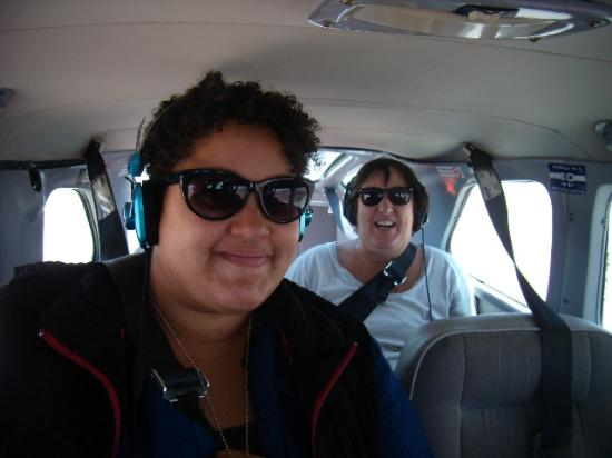 Great Nazca Tours: 2 GIRLS FROM CALI