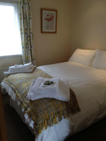 The Willows Cottages: Double Room 4 Bedroom