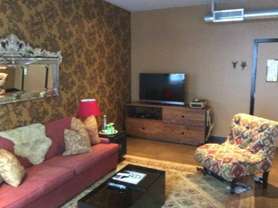 The Redbury Hollywood: Partial Living Room 513