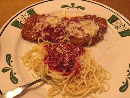 Chicken Parmigiana Spaghetti Picture Of Olive Garden Salina Tripadvisor
