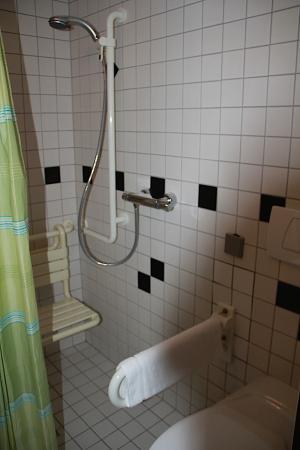 Beierhaascht: Disability-friendly shower