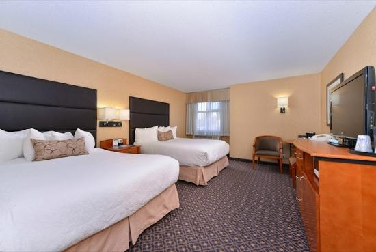 BEST WESTERN PLUS Regency Inn & Conference Centre: 2 queen beds
