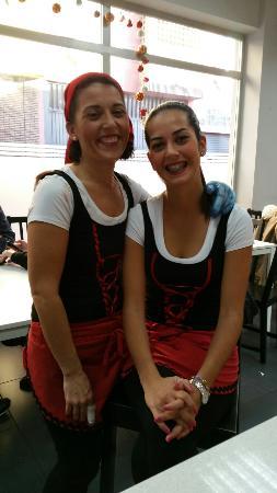 La Alemana: Este es parte del equipo vestidas de pastora para estas fechas