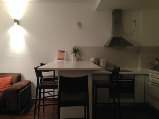 Ease Point Apartments : Cucina
