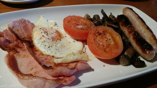 Rufford Arms Hotel: Perfect breakfast made from quality produce. So many places get it wrong. Not these guy's.
