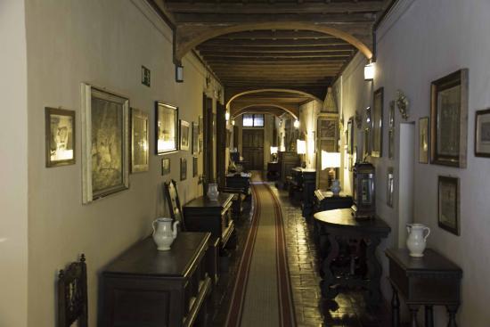 Eremo delle Grazie: corridor leading to the different rooms
