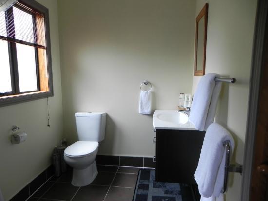 First Light Kaikoura: Bathroom of Garden Room