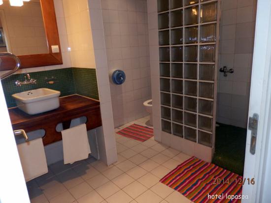 Residence Lapasoa: salle de bain