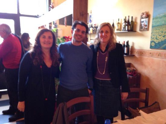 Il Girasole : Elisa, Debby, Alberto dopo un pranzo stupendo