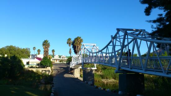Mimosa Lodge : The bridge; a part of Montagu