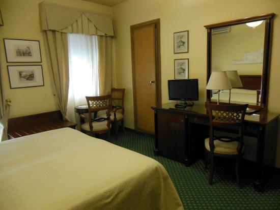 Hotel Aurora Terme : camera elegant