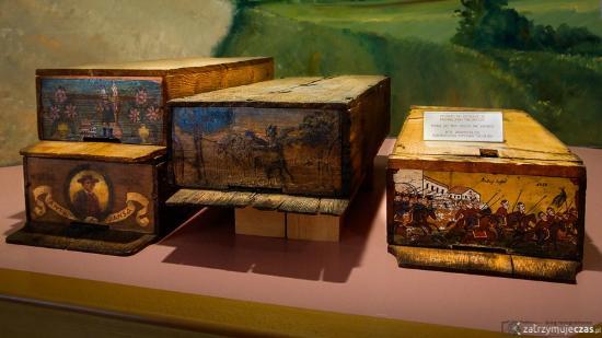 Beekeeping Museum (Cebelarski muzej) : Tradycyjne ule z połowy XIX wieku zwane kraińskimi, zdjęcie: Adam Kliczek,
