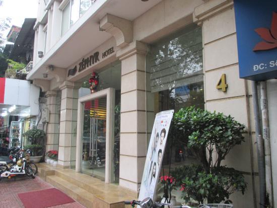 Zephyr Boutique Hotel: ホテル正面