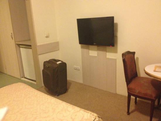Aryo Barzan Hotel: room